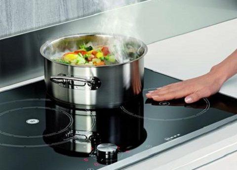 Giải đáp 5 thắc mắc thường gặp khi sử dụng bếp từ
