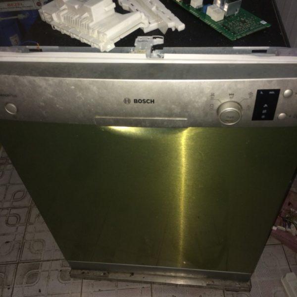 Sửa chữa máy rửa bát Bosch tại nhà