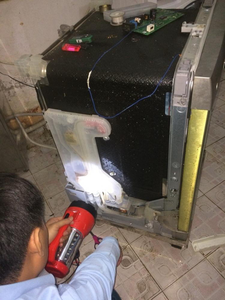 Sửa chữa máy rửa bát Bosch giá rẻ