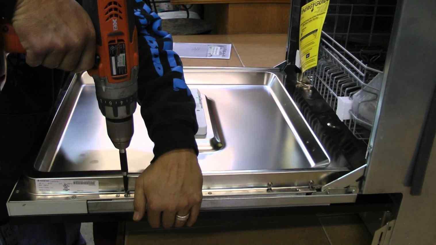 Sửa máy rửa bát Café